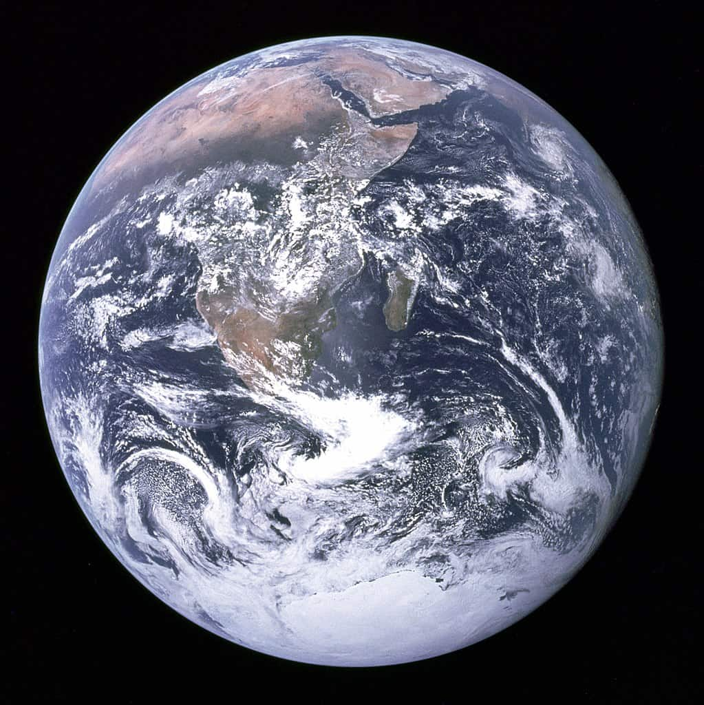 """The """"blue marble"""" picture of Earth, as taken by the crew of Apollo 17"""